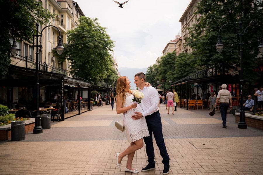 Сватбена фотосесия в центъра на София